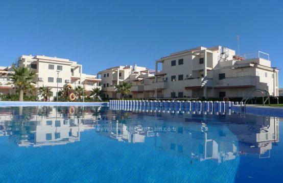 Ático con terraza solarium en la zona de Tres playas