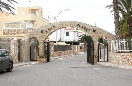 Apartamento en Urbanización Tres playas