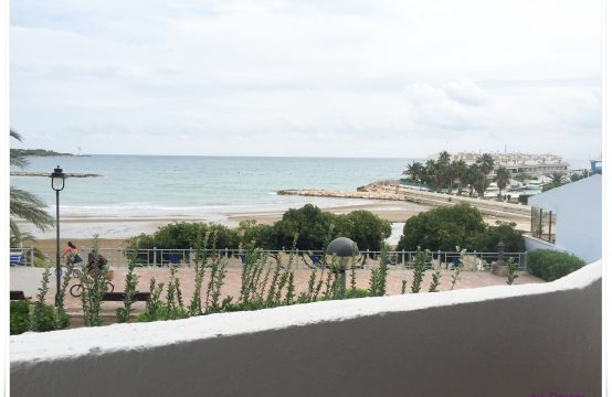 Estudio frontal al mar en playa de las Fuentes