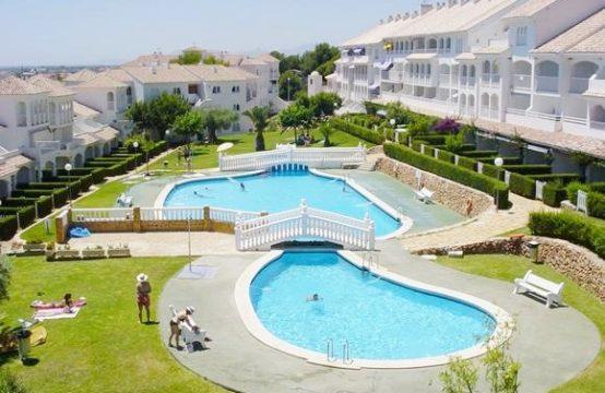 Apartamento bajo con jardín privado en Residencial Al-andalus