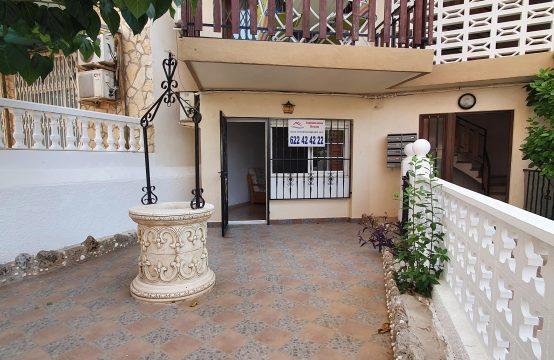 Apartamento en planta baja a 50 mtrs de la oficina de turismo