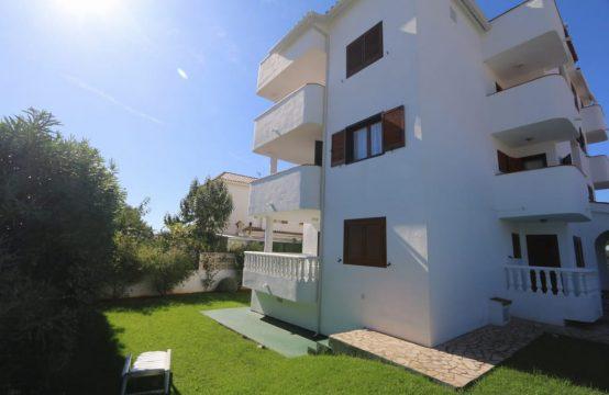 Apartamento con amplia terraza y bonitas vistas